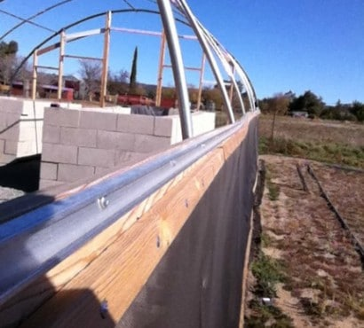 building_the_hoop_house_side_rails